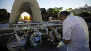 Familiares prestam homenagens a vítimas das bombas atômicas