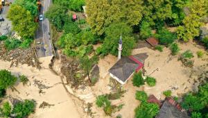 Imagem aérea de enchente na Turquis