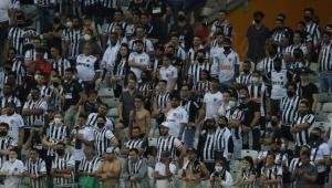 Aglomeração da torcida do Atlético-MG no Mineirão em partida diante do River Plate, pela Libertadores