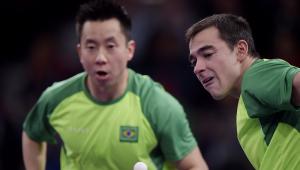 Hugo Calderano e Gustavo Tsuboi durante os Jogos Olímpicos de Tóquio