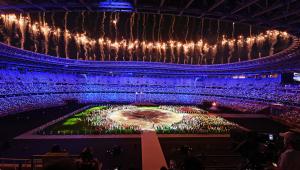Fogos de artifício no encerramento das Olimpíadas de Tóquio