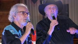 Renato Teixeira e Sérgio Reis cantando juntos