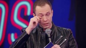 Tiago Leifert chorando no Super Dança dos Famosos