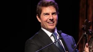 Tom Cruise sorrindo