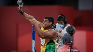 Tóquio-2020: Com recorde mundial, Wallace Santos é ouro no arremesso de peso F55