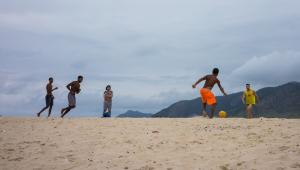 Movimentação na Praia do Recreio dos Bandeirantes, na Zona Oeste do Rio de Janeiro,