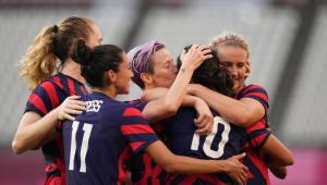 Jogadoras dos EUA comemorando gol
