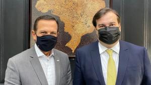 Governador João Doria aparece ao lado do deputado Rodrigo Maia