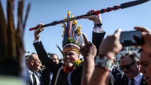 Presidente Jair Bolsonaro recebe indígenas em Brasília