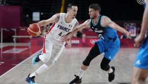 Jogo de basquete entre França e Eslovênia