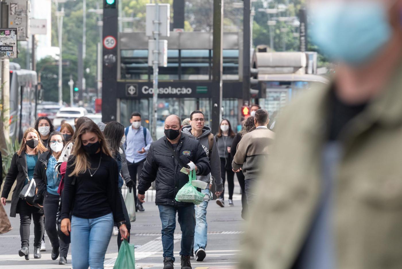 Movimentação na Avenida Paulista em São Paulo