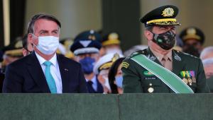 Presidente Jair Bolsonaro e o comandante do exército, general Paulo Sérgio Nogueira de Oliveira