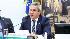 Ministro de Estado da Defesa, Walter Braga Netto, fala em audiência na Câmara