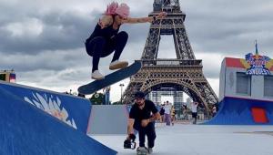 Letícia Bufoni durante competição de skate street em Paris