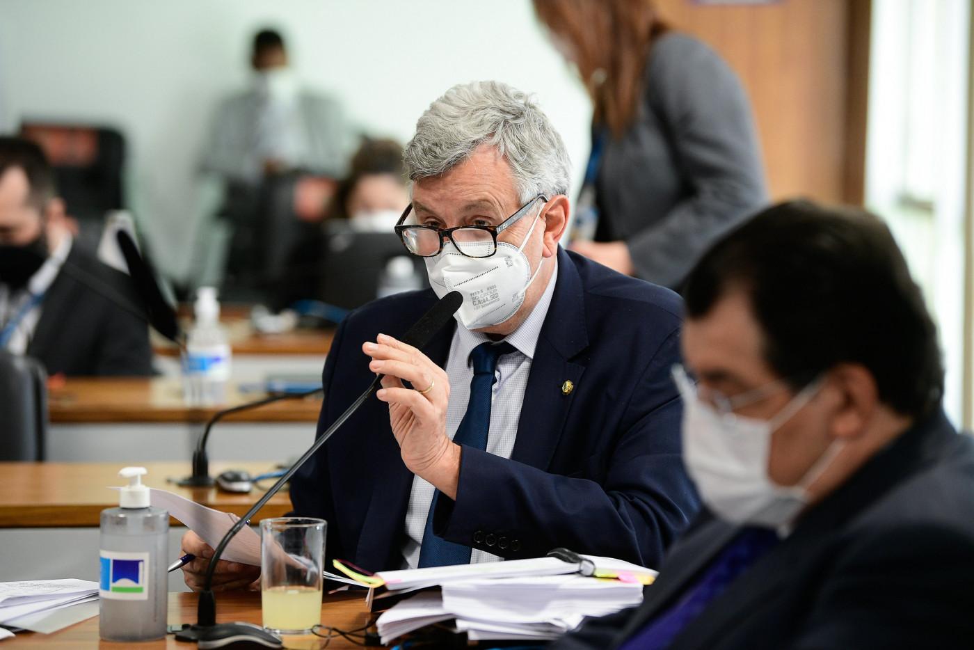Senador Luis Carlos Heinze em pronunciamento na CPI da Covid