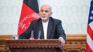 presidente do afeganistão falando em parlamento