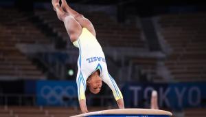 Rebeca Andrade durante a final do salto nos Jogos de Tóquio