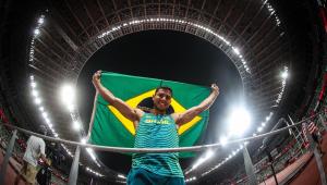 Thiago Braz ficou com a medalha de bronze no salto com vara na Tóquio-2020
