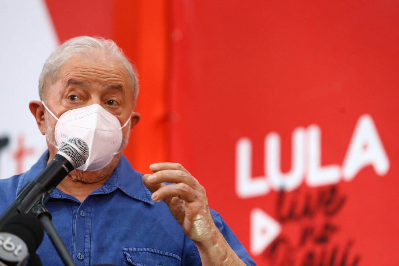Ex-presidente Lula discursa em ato pela Educação no Piauí