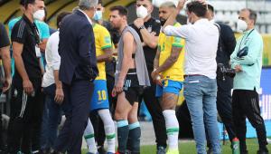Brasil x Argentino foi suspenso pelo árbitro após interferência da Anvisa e da PF