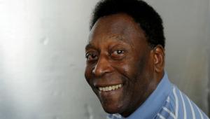 Pelé, Edson Arantes do Nascimento, posa para foto em 2016