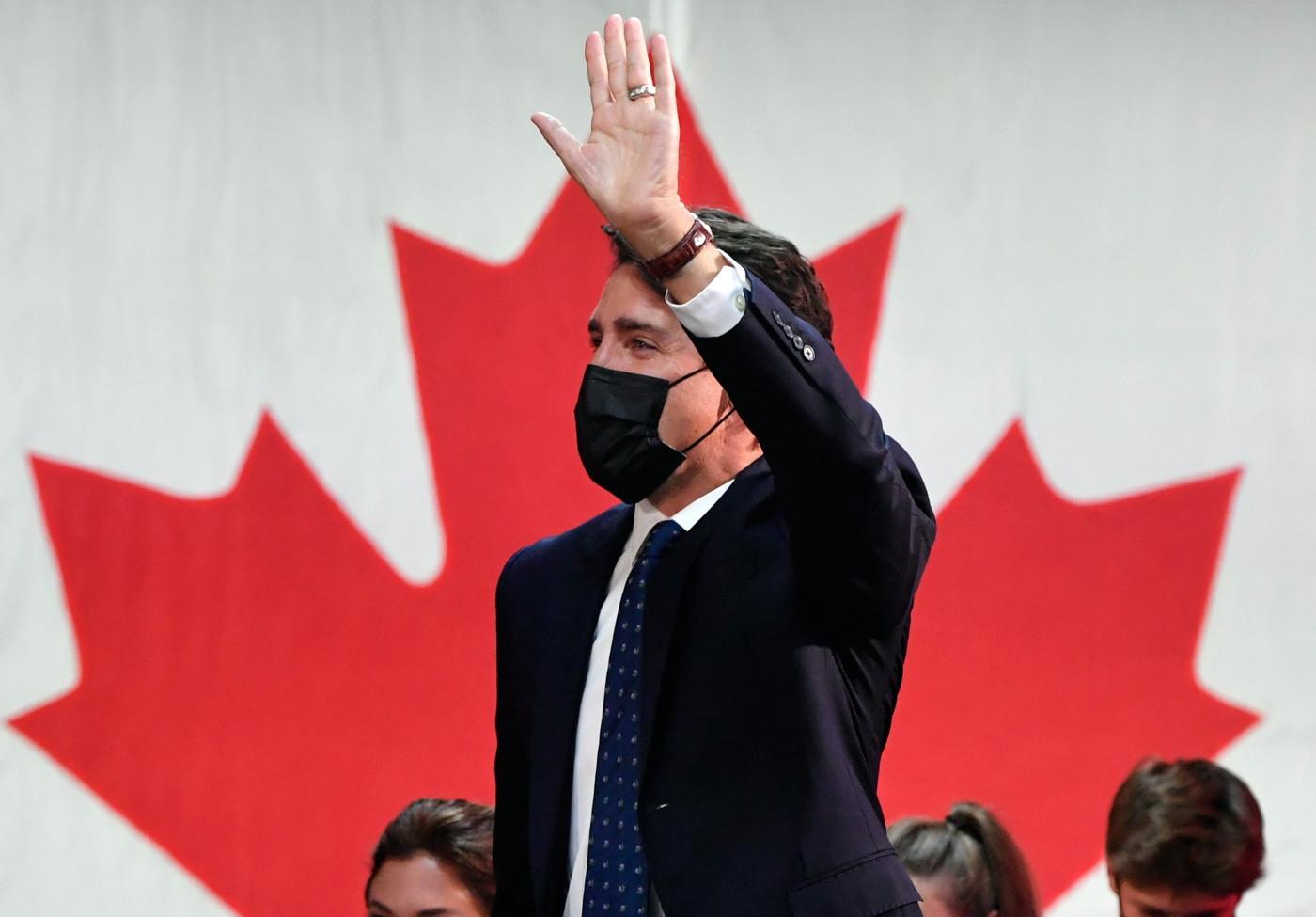 Primeiro-ministro do Canadá vence eleição antecipada
