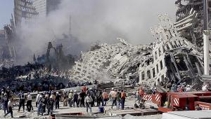 Equipe de resgate nos escombros da queda das Torres Gêmeas em Nova York, nos EUA