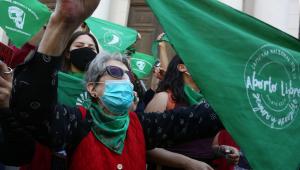 Mulheres protestam pela descriminalização do aborto no Chile