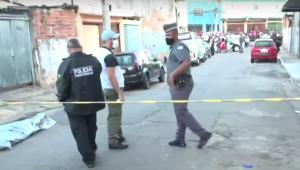 Movimentação no bairro Vila Penteado após a ocorrência de três assassinatos