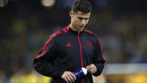 Cristiano Ronaldo lamenta derrota do Manchester United na estreia da Liga dos Campeões