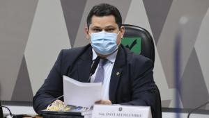 Presidente da CCJ, senador Davi Alcolumbre (DEM-AP), conduz reunião