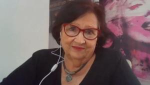 Déa Lúcia dando entrevista no Mais Você