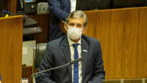 Presidente da Petrobras, general Joaquim Silva e Luna, durante sessão no Congresso