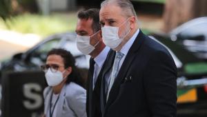 Moraes suspende pedido de investigação contra Augusto Aras por prevaricação