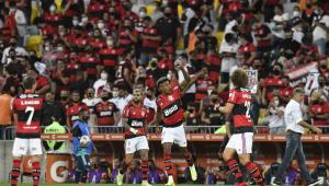 Com público no estádio, Flamengo vence o Barcelona-EQU na semifinal da Libertadores