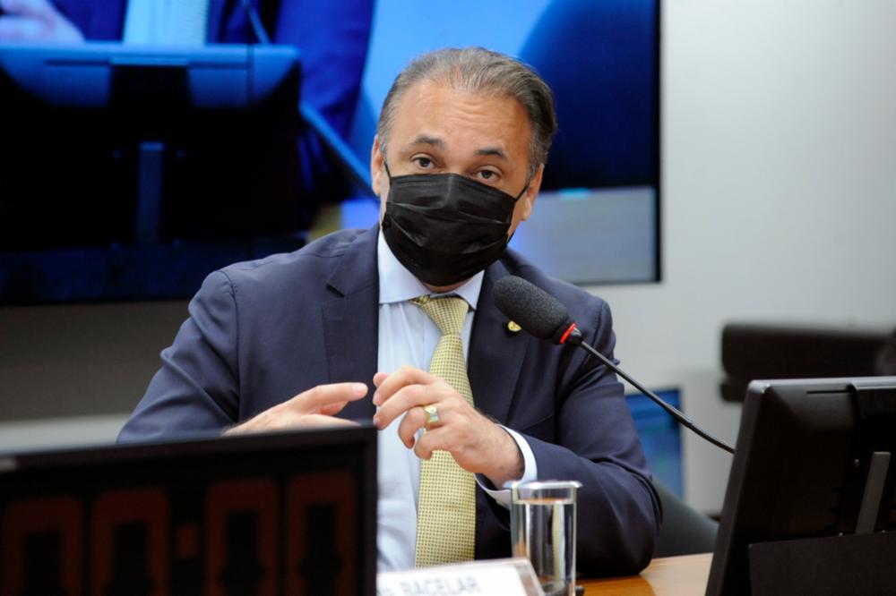 Deputado Federal Roberto Lucena em sessão na Câmara