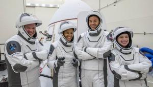 Tripulação fará o primeiro lançamento totalmente civil ao espaço