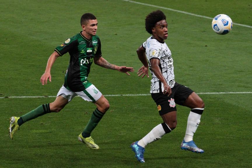 Corinthians tropeça na estreia de Willian e fica no empate com o América-MG