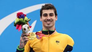 Talisson Glock conquista ouro na natação em Tóquio