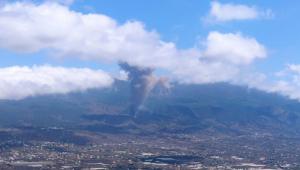 vulcao cumbre vieja em erupção