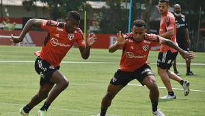 Welington durante treino do São Paulo no CT da Barra Funda