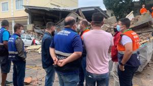 Moradores de prédio que desabou no RJ notaram 'algo diferente' em coluna da construção, diz prefeitura