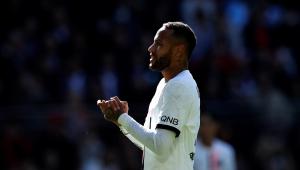 Neymar durante partida do PSG diante do Rennes