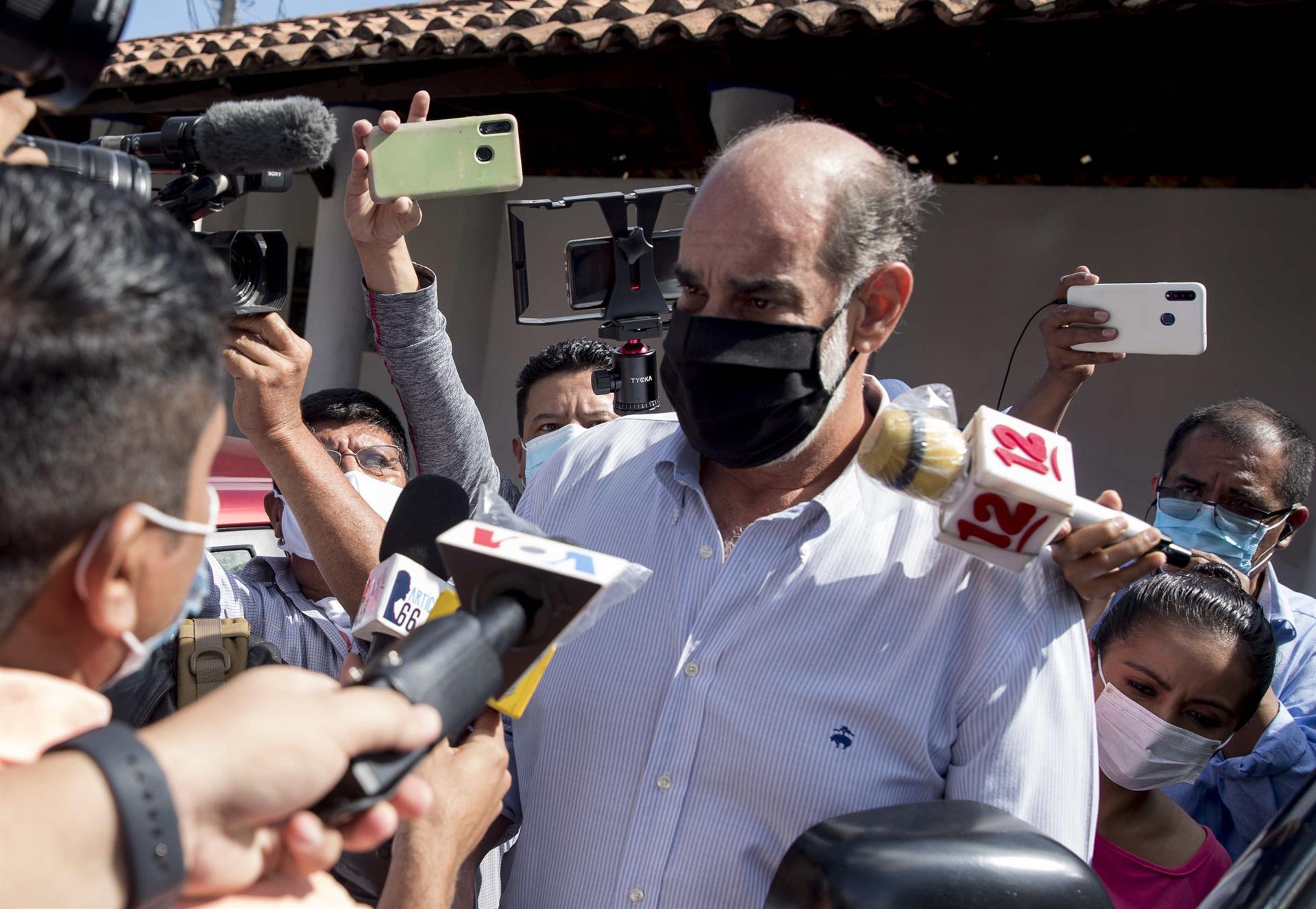 Empresário Michael Healy falou com imprensa após ser detido em Manágua, na Nicarágua