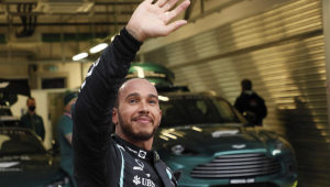 Lewis Hamilton lidera o Mundial de Pilotos de 2021 com apenas dois pontos a mais que Max Verstappen