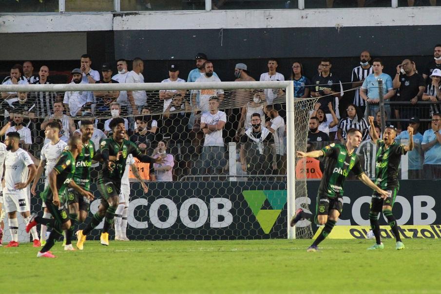 O Santos foi derrotado pelo América-MG por 2 a 0