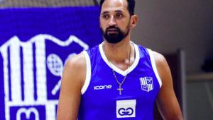 O jogador de vôlei Maurício Souza em quadra com o uniforme do Minas Tênis Clube