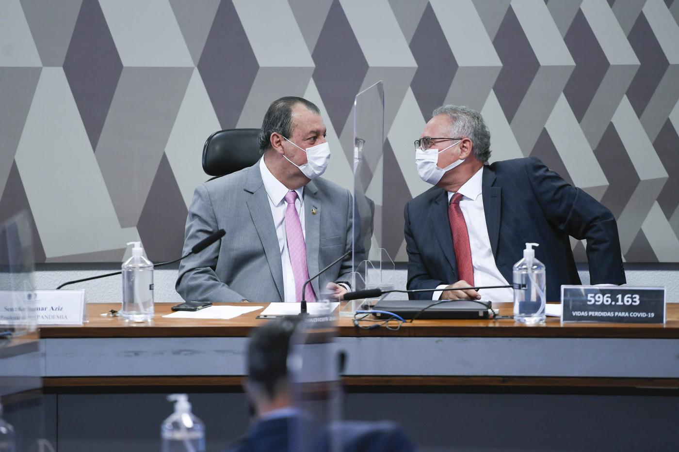Senador Omar Aziz encara o senador Renan Calheiros na CPI