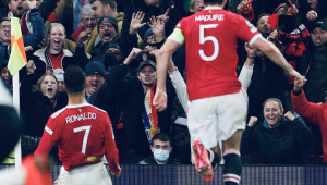 Cristiano Ronaldo comemorando gol do Manchester United sobre a Atalanta