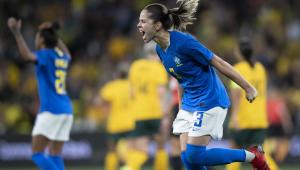 Érika da Seleção Brasileira comemorando o primeiro gol contra a Austrália
